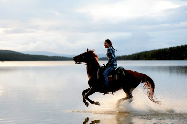 Idre 160803 Badturen, ridning Burusjön med Nora  Foto Nisse Schmidt